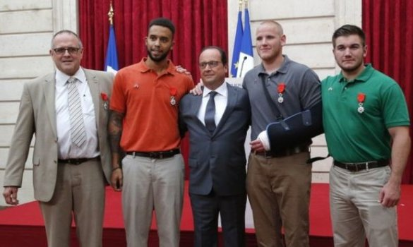 Hollande Awards Legion d'Honneur - 08-24-2015
