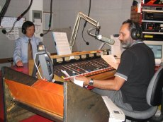 Roger J. Wendell and Dennis Kucinich during his presidential bid, KGNU - 04-09-2004