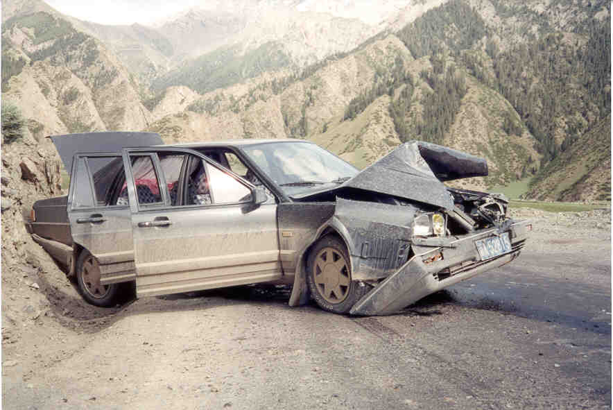 [Image: pix_china_car_wreck_06-01.jpg]